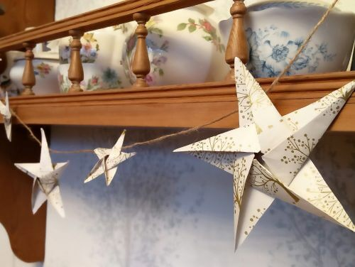 5 Easy Christmas Crafts to Save you Money https://lh4.googleusercontent.com/Ph44JntNaGKwnPjme3tWMfzeavhR7KOzmui_NkNHzApegrqwhy4lYkckCHpDt_fUwTAx136jYylxdZOvk8VauTKyhx8-GfYBJY8JPYNuLlk_UENFe48fvi227DN8YyMuxppPOKEw