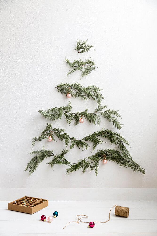 5 Easy Christmas Crafts to Save you Money - Minimalist Christmas tree